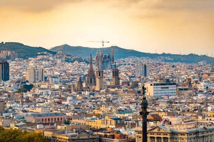 A Literary Guide toBarcelona